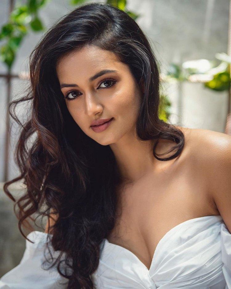 Sexy glamorous actress