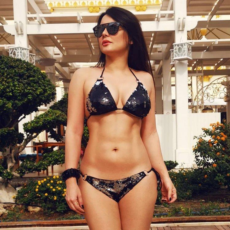 Sensational Misshisha Lamba in bikini