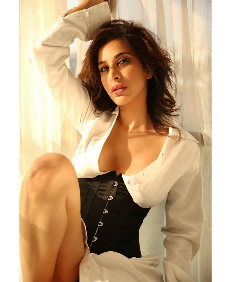 Sophie Choudry Latest Photos