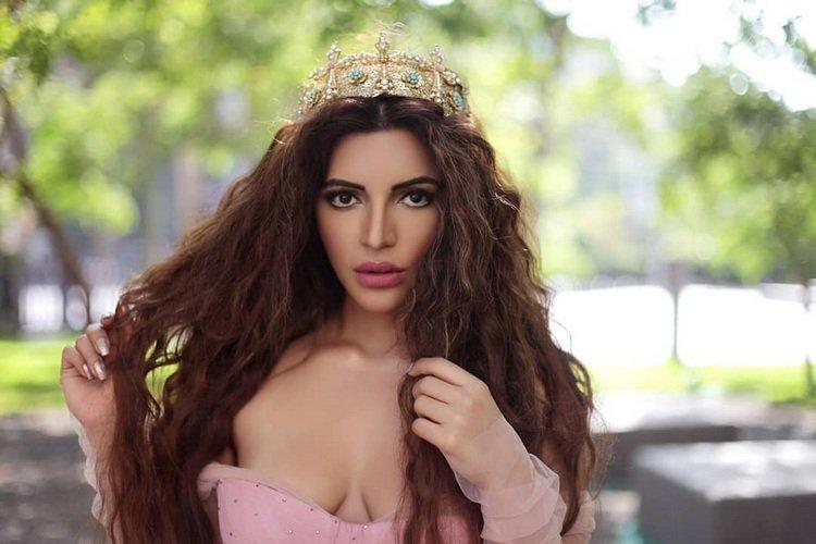 Stunning Shama Sikander 1