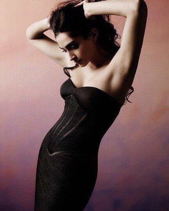 Stunning Sonam Kapoor