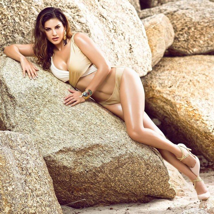 Sunny Leone's teasing poses